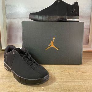 NEW Nike Jordan TE Black Low / 7.5, 8.5